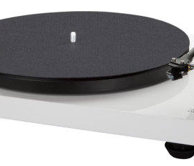 music_hall_mmf_2.3wh_turntable_white
